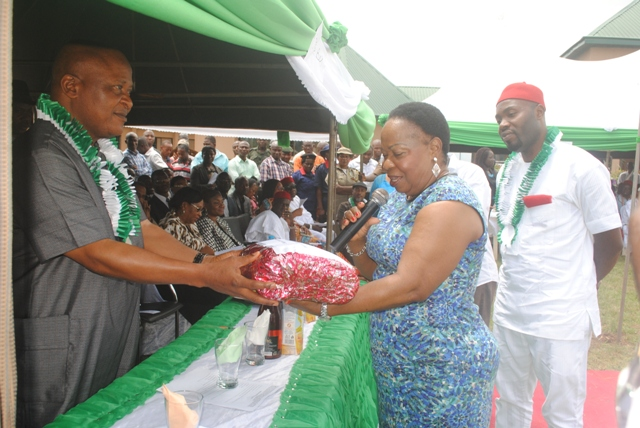 Elder stateswoman of Aniocha North Politics and member of Delta State Advisory and Peace Building Council, Hon. (Chief) Nkem Okwuofu, presenting a gift to the Speaker of the Delta State House of Assembly, Rt. Hon. Monday Igbuya at the occassion