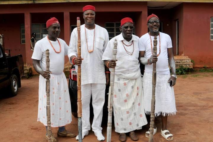 Chief Ken Iwelumo (Tallest on 2nd left) With Chief (Sir) (Hon) (Barr) Ibe Nwawolo, Chi Obi of Onicha Ugbo and Obior. Mr Azubuike Okocha and Mr Felix Mekwunye.