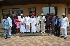 Members of AMN pose with the Asagba of Asaba, Asagba (Prof.) Chike Edozien and the Asagba-in-council, when the group paid a courtesy call to His Royal Majesty in his Palace.