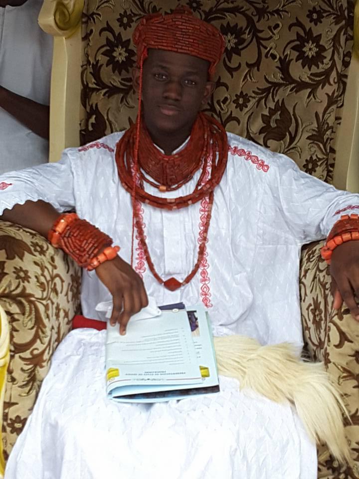 CHUKWUKA NOAH AKAEZE1 RECEIVES STAFF OF OFFICE AS OBI OF UBULU-UKU  ***Honour Your King, Okowa Urges Ubulu-Uku People – Flash Point News